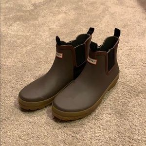 Hunter rain boots (ankle height)